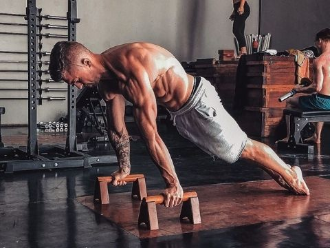 Pseudo Planche Push Up Tutorial ed Esecuzione